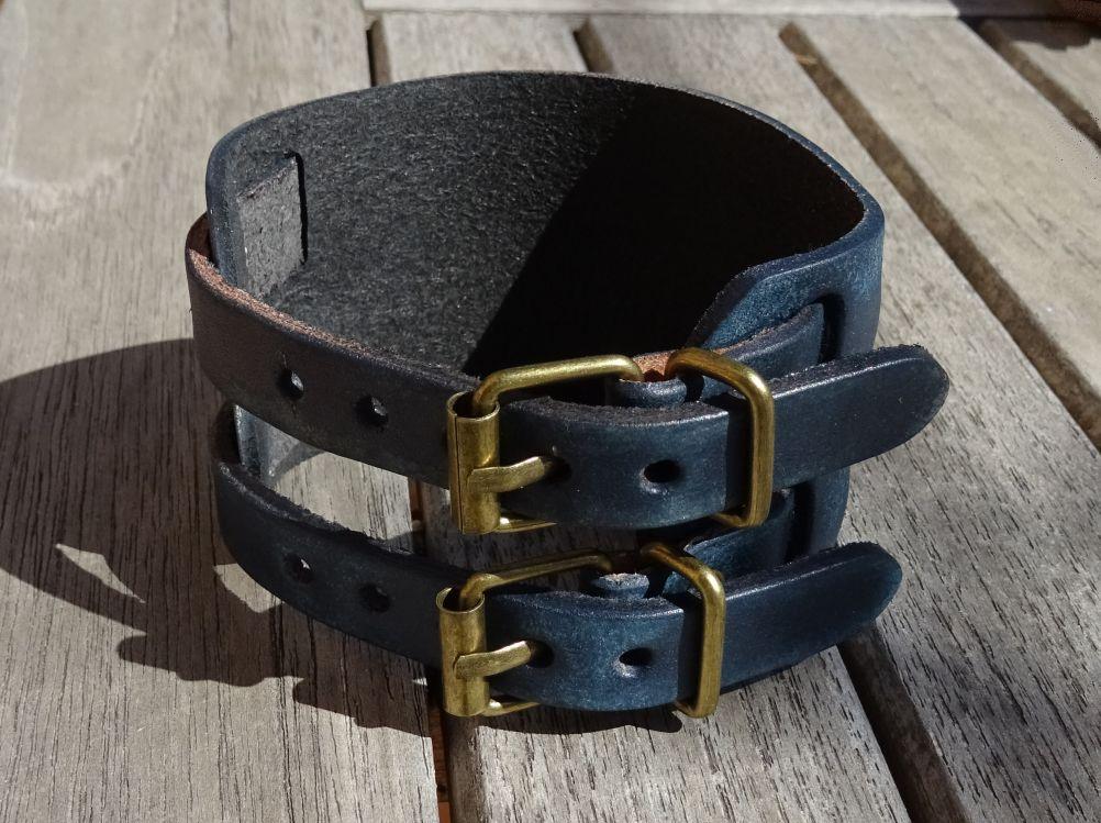 Bracelet manchette homme gravé personnalisé