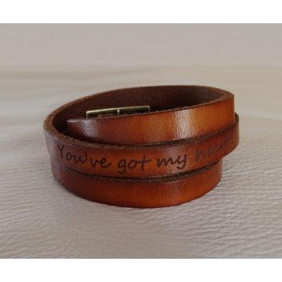 Bracelet cuir gravé personnalisé avec prénoms