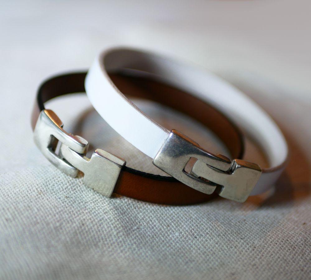 Bracelet cuir mixte gravé fermoir en T couleur au choix