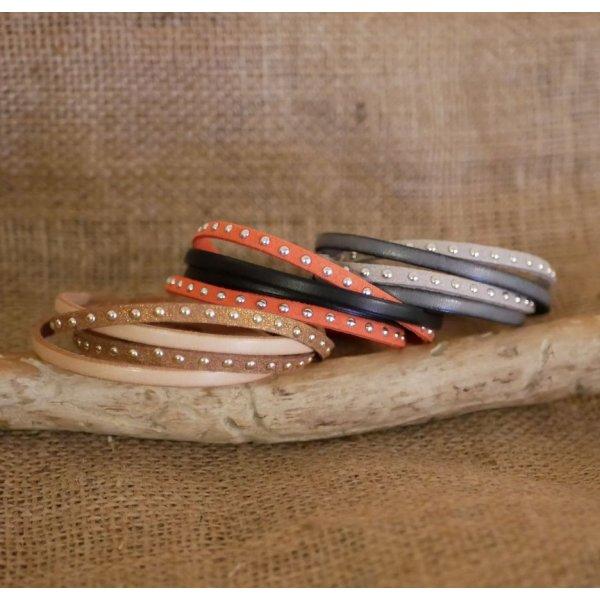 Bracelet double tour cuir et suédine rouge personnalisable pour femme
