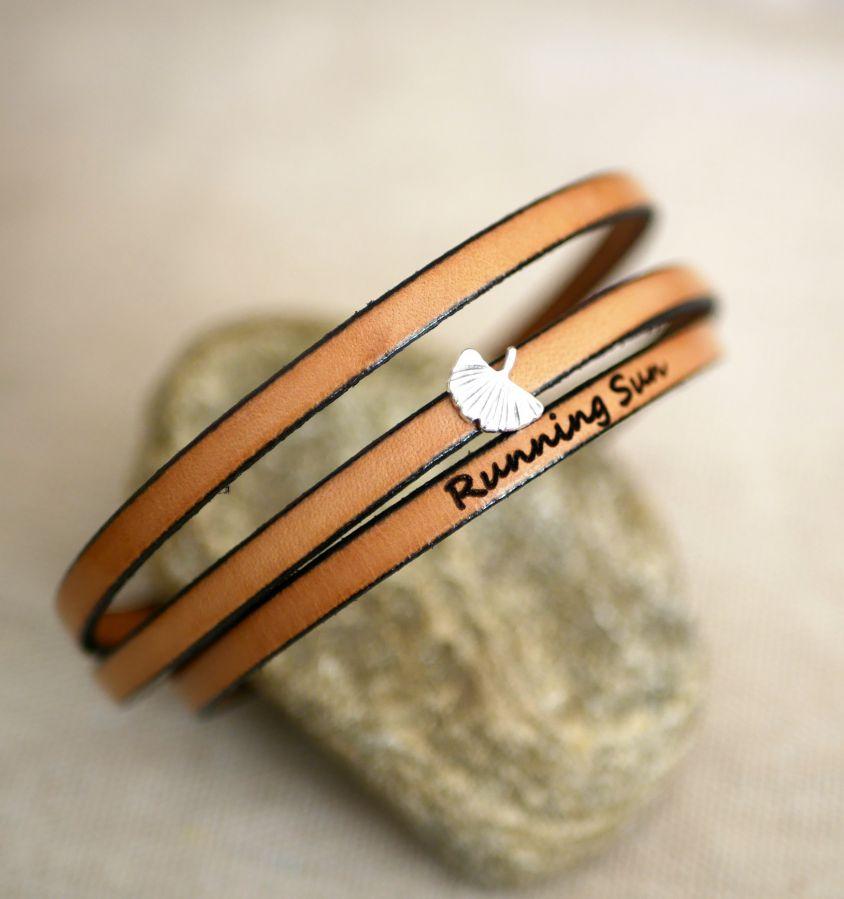 Bracelet femme cuir multitours feuille Ginkgo argenté personnalisable