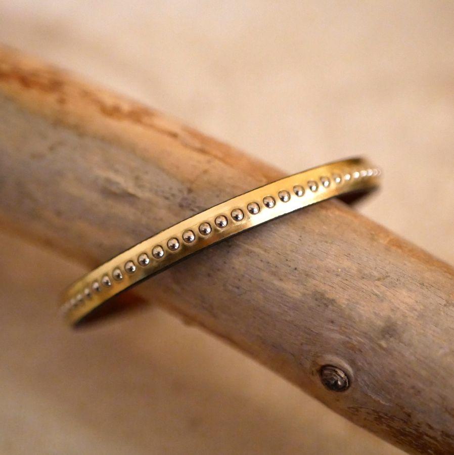 Bracelet femme en cuir rose métallisé à billes dorées