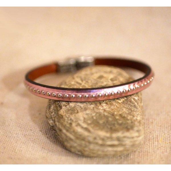 Bracelet femme en cuir rose métallisé à billes argentées