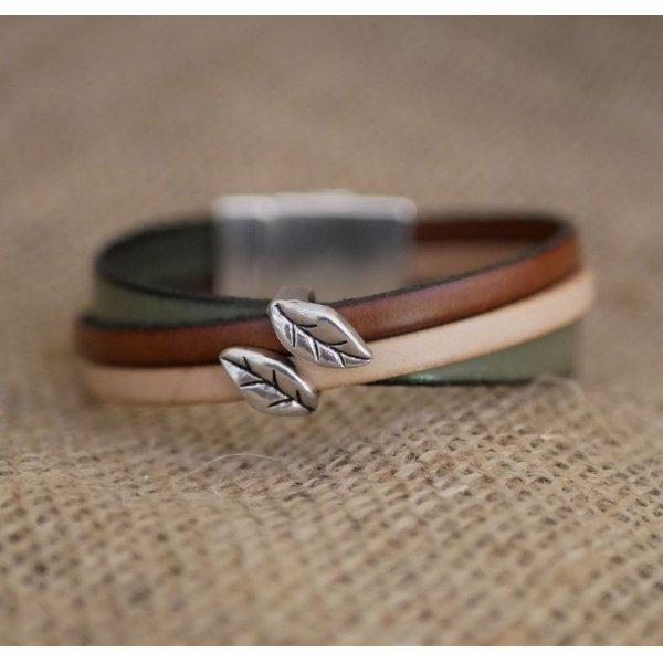 Bracelet manchette multi cuirs décor Feuilles fermoir magnétique large