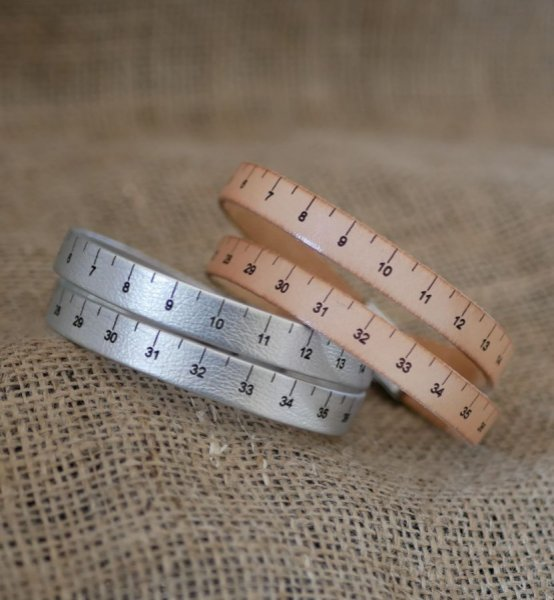 Bracelet Mètre en cuir double tour personnalisable avec fermoir ajustable