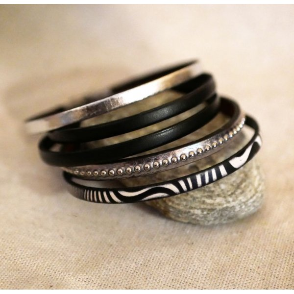 Ensemble de bracelets cuir à empiler personnalisables tons noir et argenté