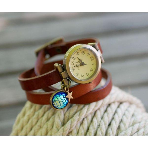 Montre bracelet cuir cabochon écailles bleues