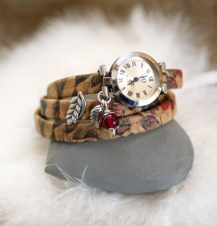 Montre bracelet en liège fleuri triple tours breloque perle rouge