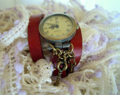 Montre cuir Rouge 3 tours Rouge breloques Clefs