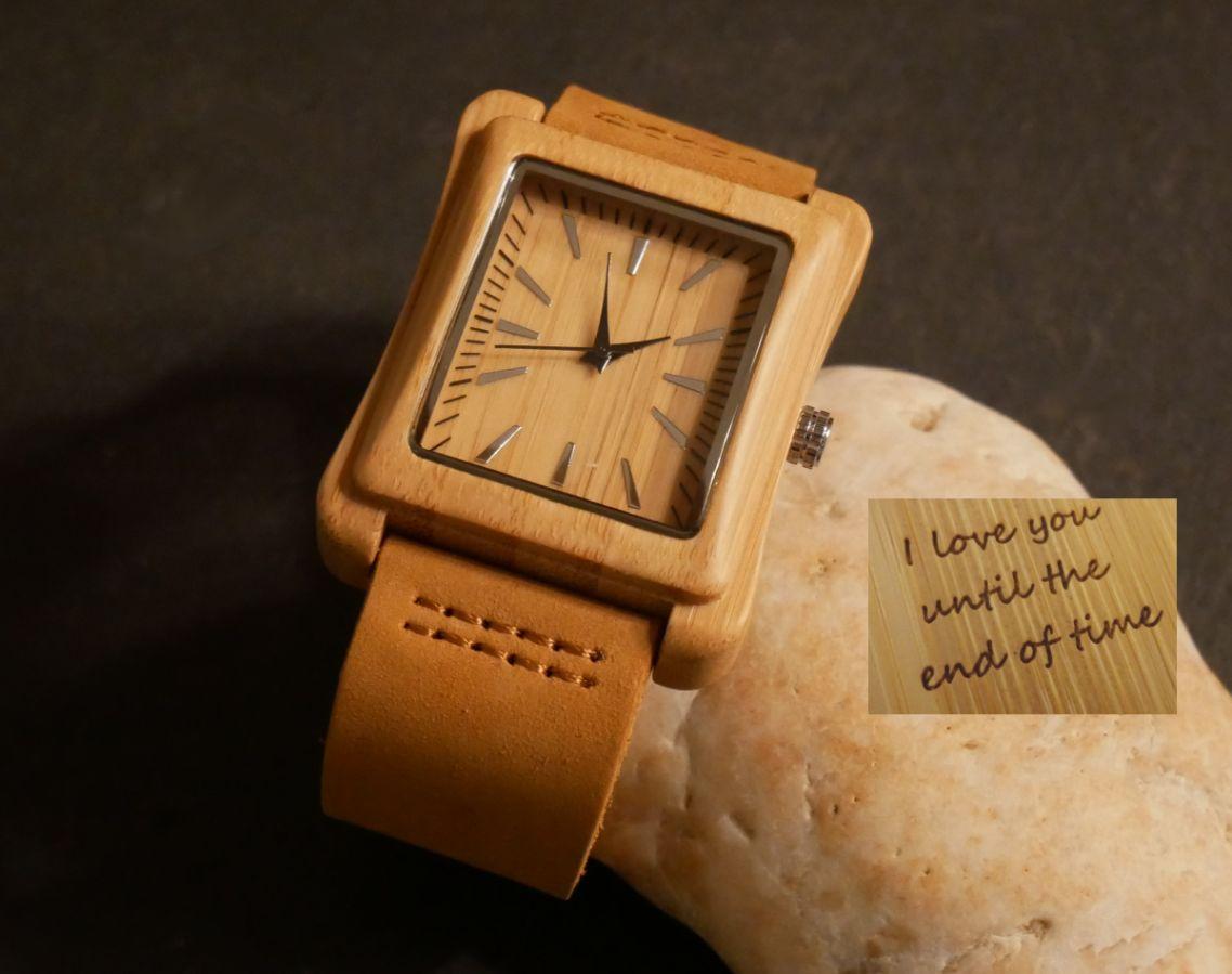 Montre homme bois clair sur bracelet cuir à personnaliser