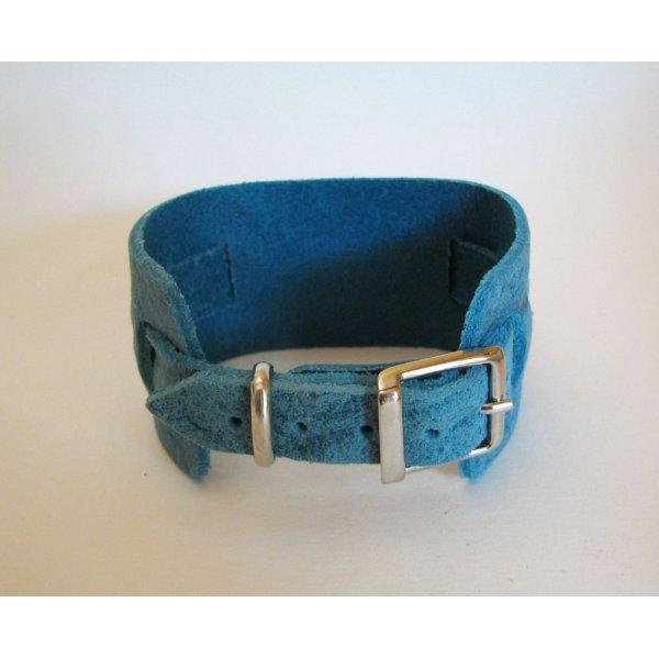 Montre carrée manchette cuir bleu