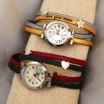Montre bracelet cuir à personnaliser au cadran argenté et passants coeur ét étoile