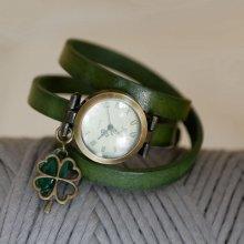Montre bracelet Trèffle et sequin vert